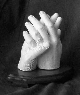 lovers_hands