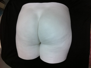 bum sculpture