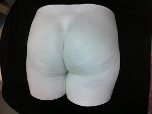 bum sculpture